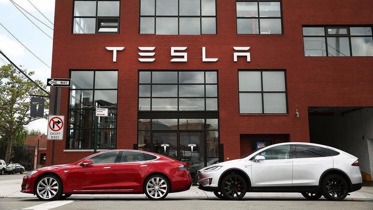 分手后还要互相伤害,Tesla 被前合作伙伴指责「安全性上越界了!」-麦芽